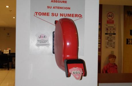 Dispensador de turnos manual