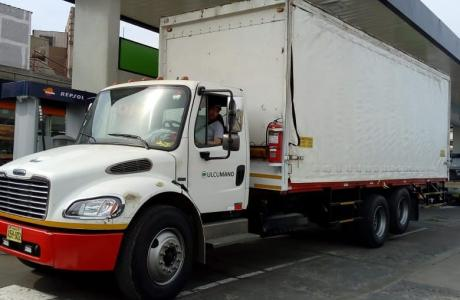Vendo camion Freightliner M2-106